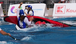 canada women rolling over france icf canoe polo world games 2017