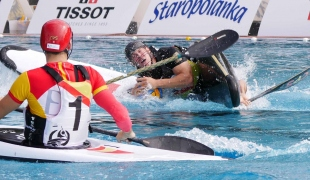 germany men falling rolling possession against spain icf canoe polo world games 2017
