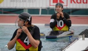 germany women preparing putting on helmets icf canoe polo world games 2017