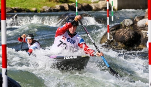 great britain c1 slalom team 2017 icf slalom and wildwater world championships pau france 004 0