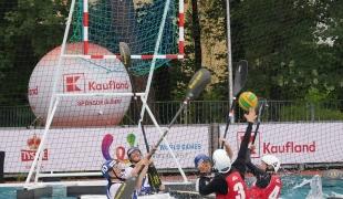 poland women shooting against france icf canoe polo world games 2017