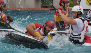 spain rolling falling possession against poland icf canoe polo world games 2017