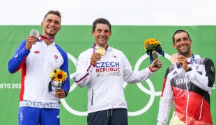 Tokyo 2020 Olympics  Mens Kayak Medallists