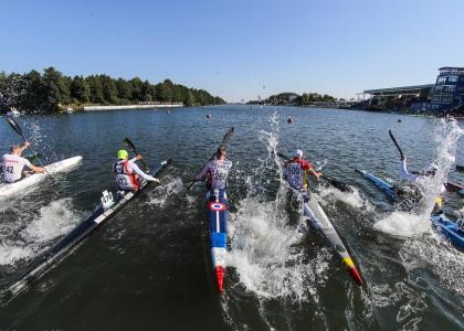 Canoe marathon start men K1 Pitesti