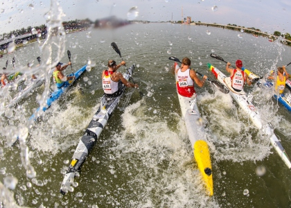 Canoe sprint 5000 metres start