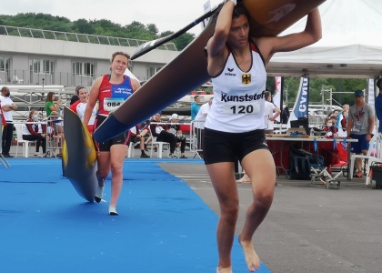 Canoe marathon world cup portage France 2021
