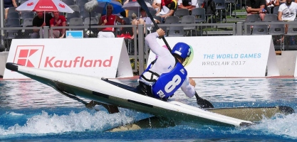 france men on upside down boat icf canoe polo world games 2017