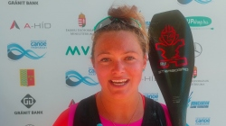 American SUP athlete Fiona Wylde