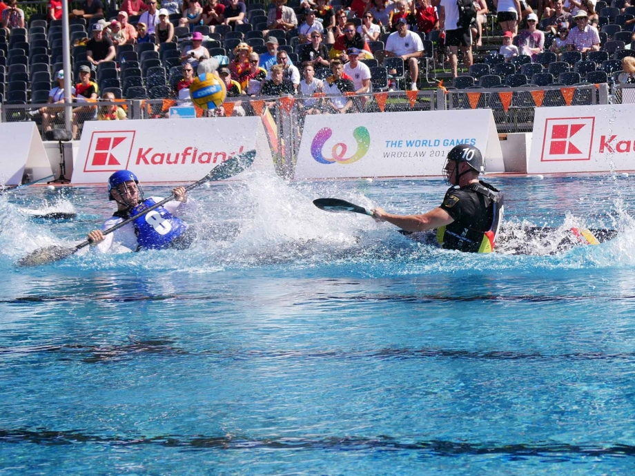 centre sprint ball in air france germany men icf canoe polo world games 2017